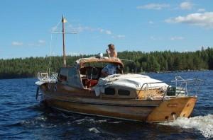 """Siin veel Rootsi lipu all, paadi nimi oli siis """"Pärlan""""..."""